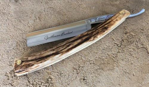 Rasoir Coupe-Chou acier carbone 5/8 bois de cerf Gentleman Barbier
